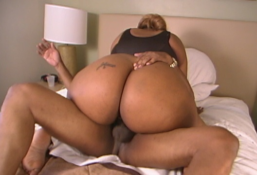 Big girl ride dick